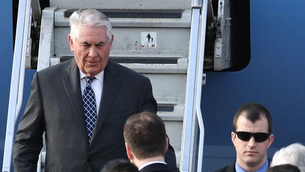 Rex Tillerson, secretario de Estado de EEUU, aterriza en Moscú - Sputnik Mundo