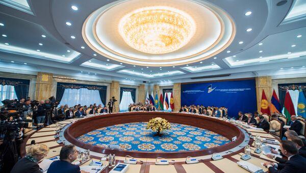 Una sesión de la Unión Económica Euroasiática en Kirguistán (archivo) - Sputnik Mundo