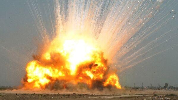 Explosión de la bomba GBU-43 (archivo) - Sputnik Mundo