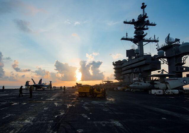 El portaviones estadounidense Carl Vinson