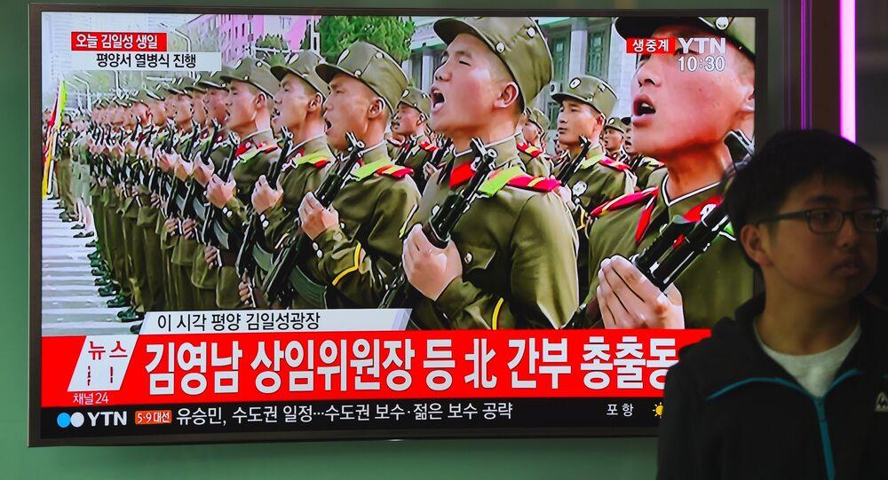 Desfile militar dedicado al 105 aniversario de Kim Il-sung en Pyongyang
