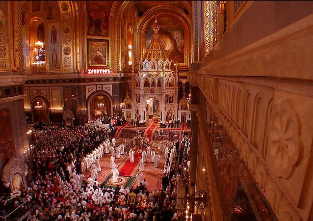 Así fue la misa de Pascua en la Catedral de Cristo Redentor en Moscú