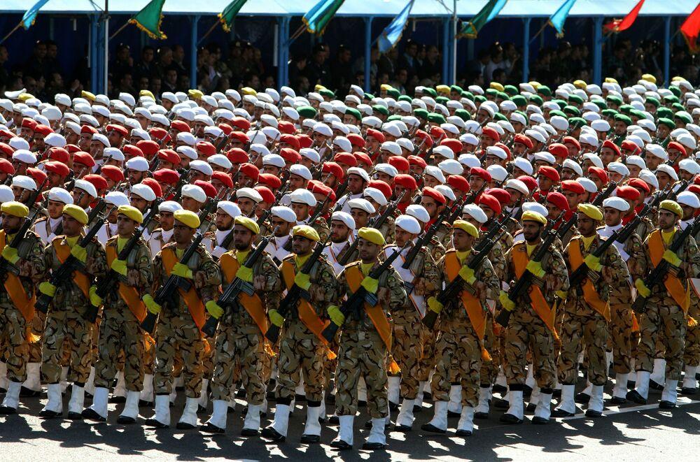 El impresionante desfile para conmemorar el Día del Ejército en Irán