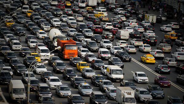 El tráfico en Moscú - Sputnik Mundo