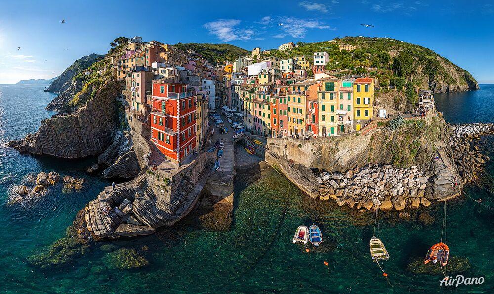 El municipio de Riomaggiore en Italia
