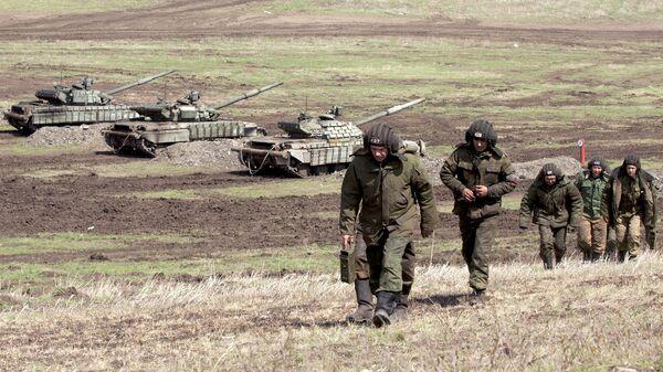 Los soldados de la república autoproclamada de Lugansk - Sputnik Mundo