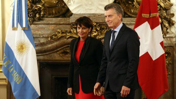 Doris Leuthard, presidenta de la Confederación Suiza, y Mauricio Macri, presidente de Argentina - Sputnik Mundo