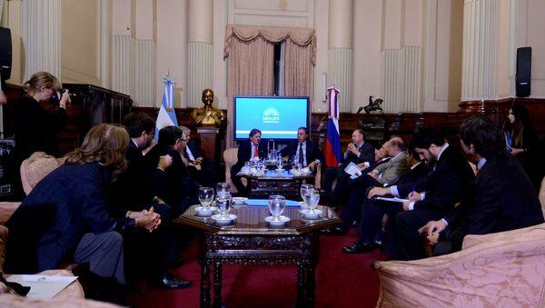 El embajador de Rusia en Argentina, Victor Koronelli, se reúne con senadores locales - Sputnik Mundo