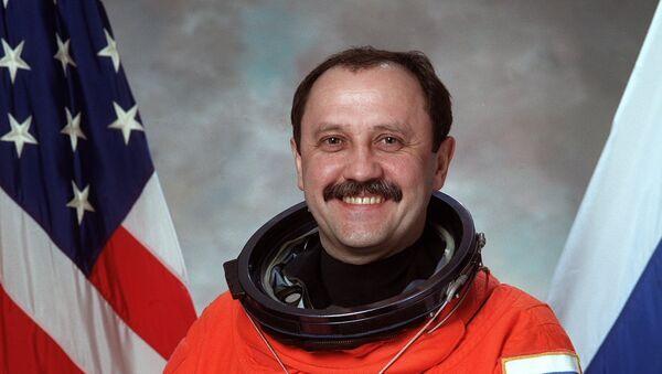 El cosmonatua ruso Yuri Usachov - Sputnik Mundo