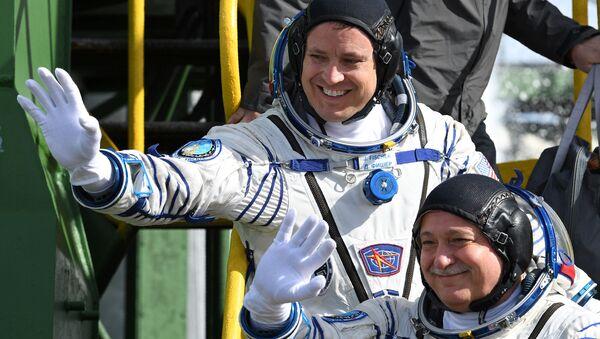 Los tripulantes de Soyuz MS-04, el estadounidense Jack Fischer (derecha) y el ruso Fiódor Yurchijin (izquierda) - Sputnik Mundo