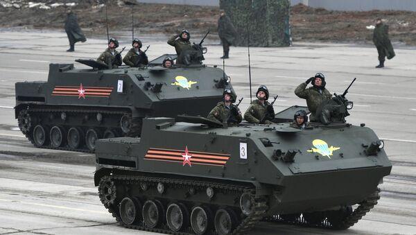 Ensayo de los equipos militares rusos para el Día de la Victoria - Sputnik Mundo