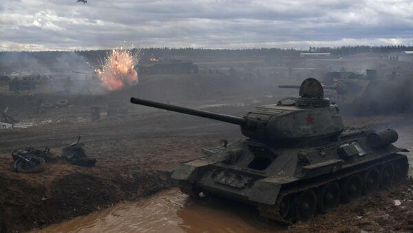 Un tanque Т-34 - Sputnik Mundo