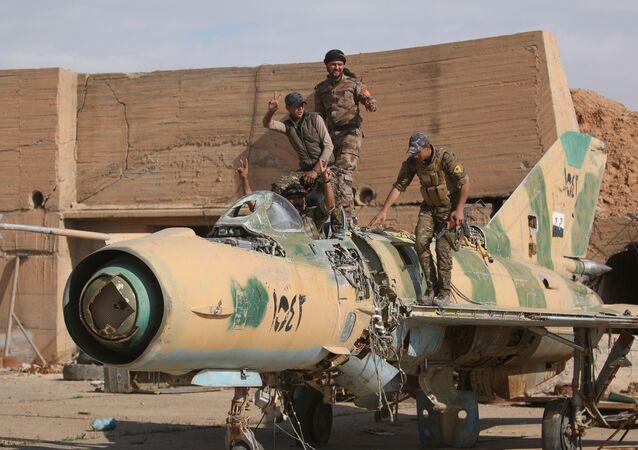 Combatientes de las Fuerzas Democráticas de Siria (archivo)