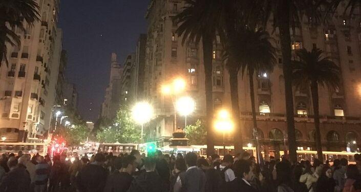 Concentración en el corazón de Montevideo para reclamar el reconocimiento del genocidio armenio.