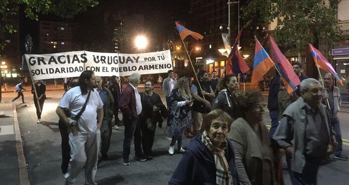 Se estima que la comunidad armenia en Uruguay supera 25.000 personas.