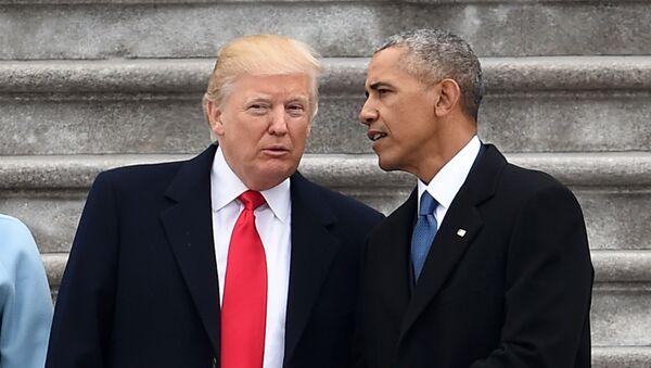 Presidente de EEUU, Donald Trump, y expresidente, Barack Obama - Sputnik Mundo