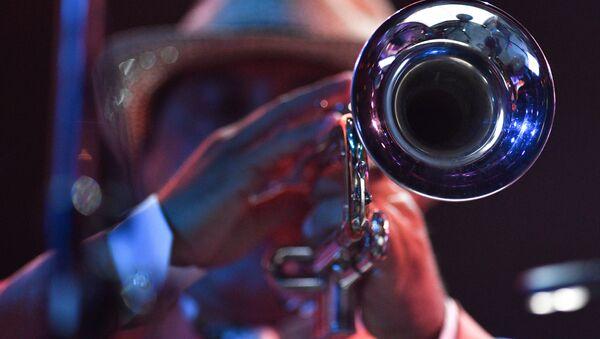 Un músico de jazz - Sputnik Mundo