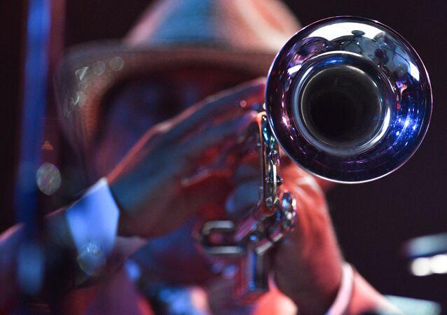Un músico de jazz