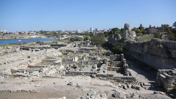 Ruinas de una antigua ciudad en Crimea - Sputnik Mundo