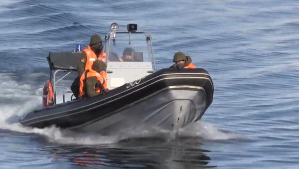 Vídeo: así se repelen los ataques de los saboteadores en una base submarina rusa - Sputnik Mundo