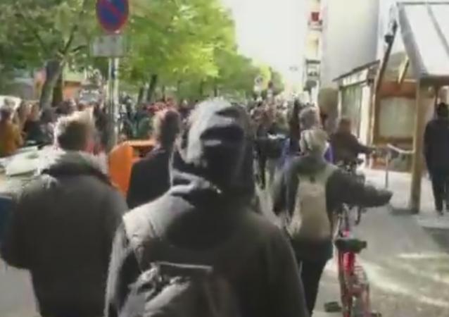 Los berlineses protestan contra el 'aburguesamiento' de la ciudad