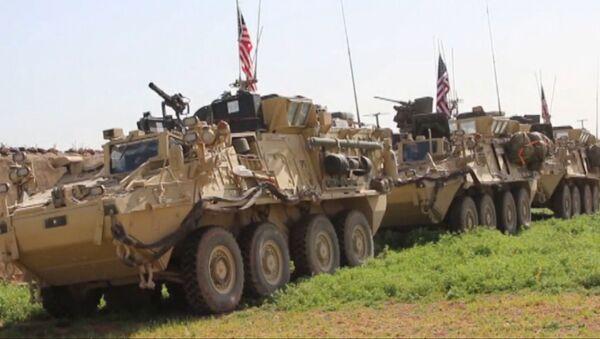 EEUU despliega tropas y blindados en la frontera entre Turquía y Siria - Sputnik Mundo