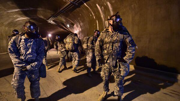 Militares estadounidenses en las catacumbas de Corea del Sur - Sputnik Mundo