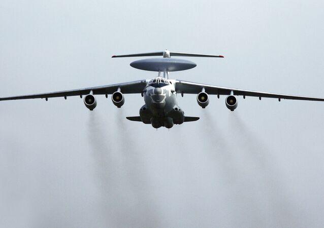 El avión ruso de alerta temprana y control aerotransportado A-50
