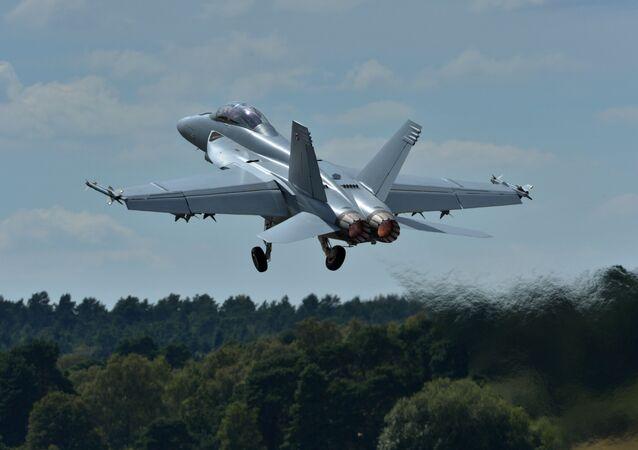 Un caza F-18 (archivo)