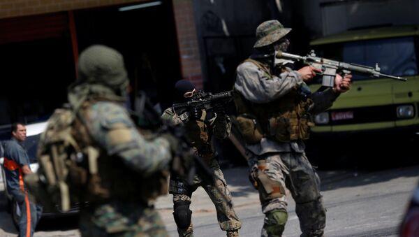 Militares en servicio en Río de Janeiro - Sputnik Mundo