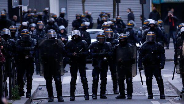 Policía de París - Sputnik Mundo