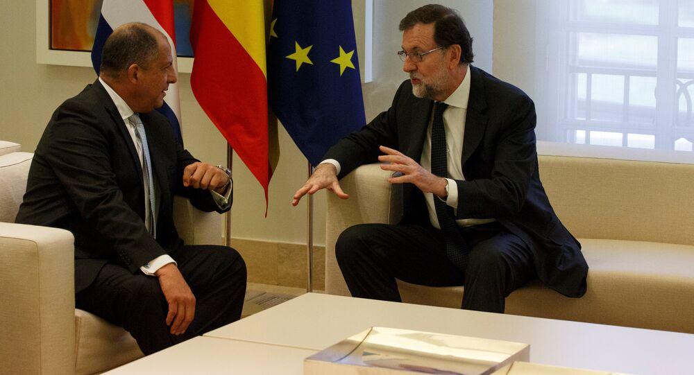 El presidente del Gobierno español, Mariano Rajoy, con el presidente de Costa Rica, Luis Guillermo Solís