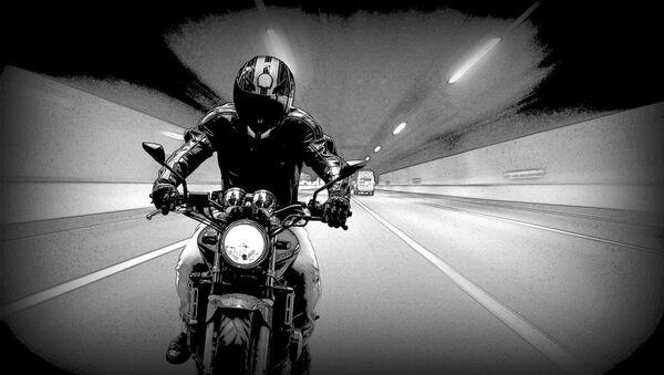 Una moto en en un túnel - Sputnik Mundo