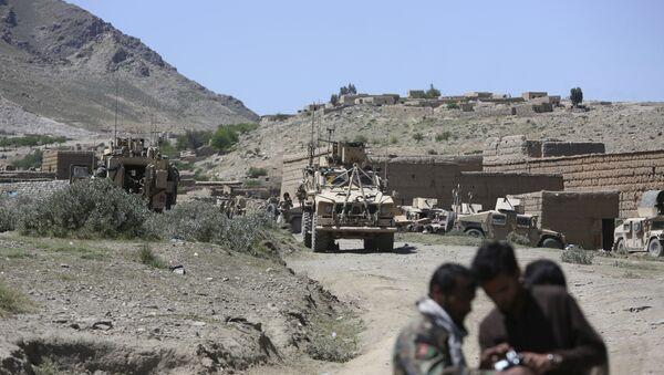 Fuerzas estadounidenses y tropas afganas - Sputnik Mundo