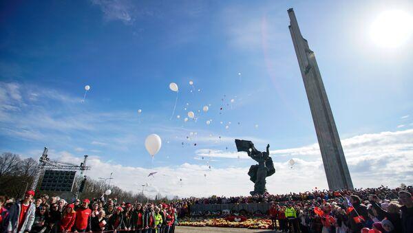 Regimiento inmortal en Riga, Letonia - Sputnik Mundo