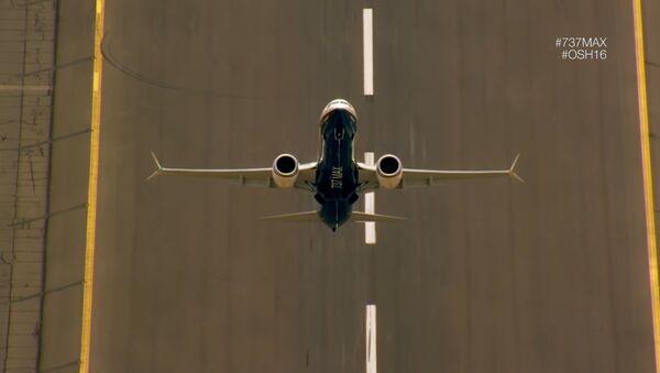 El B737 Max, en un vídeo promocional de la empresa - Sputnik Mundo