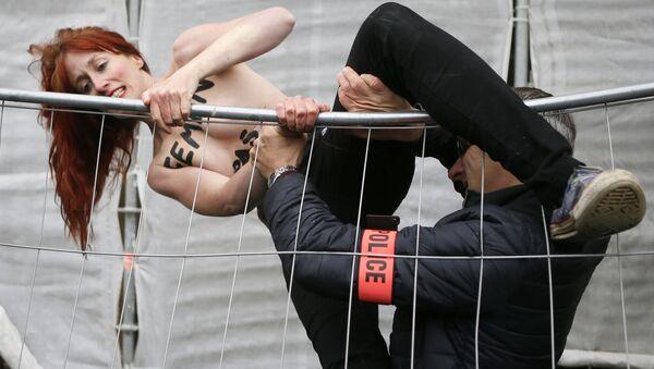 Una activista de Femen (archivo) - Sputnik Mundo