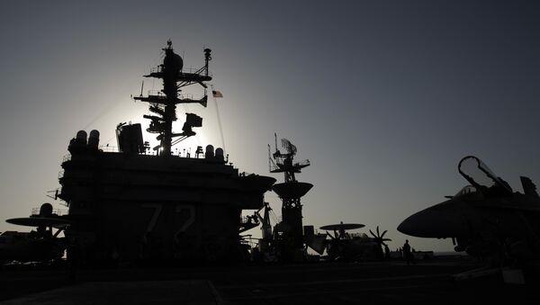 Portaviones USS Abraham Lincoln (archivo) - Sputnik Mundo