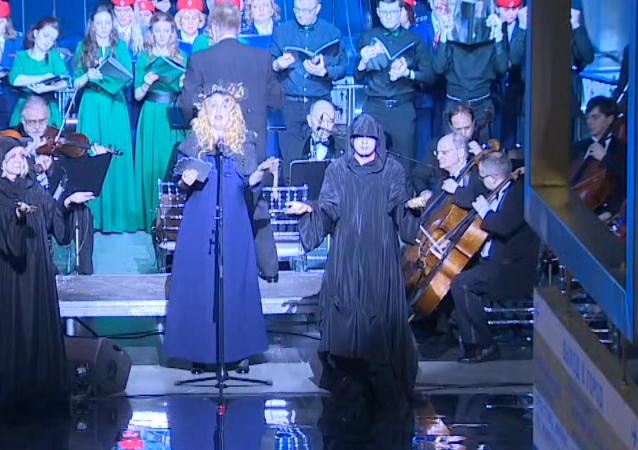 Ópera en lengua élfica en el metro de Moscú