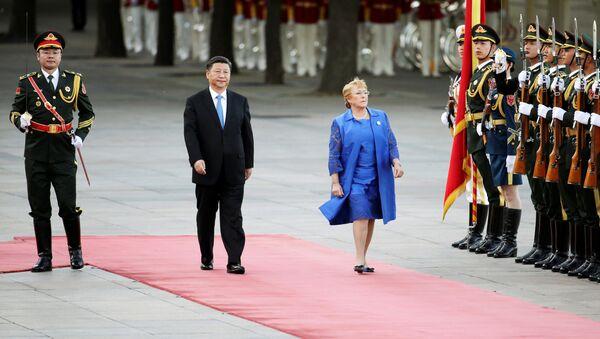 Xi Jinping, presedente de China, y Michelle Bachelet, presidenta de Chile - Sputnik Mundo