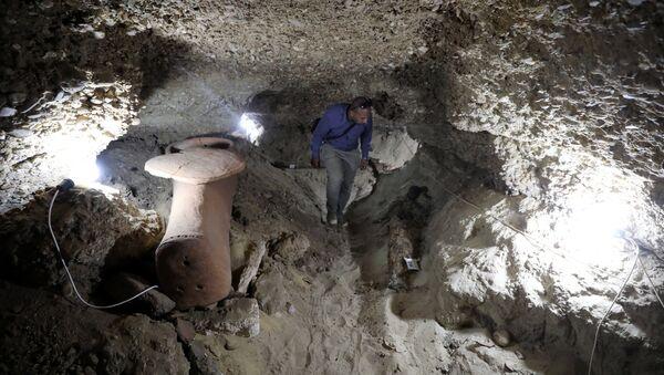 El interior de la cámara funeraria recientemente descubierta - Sputnik Mundo