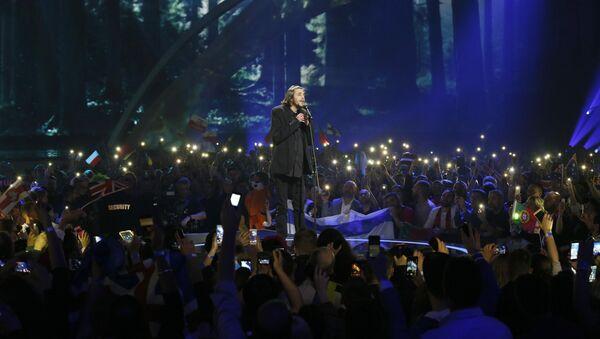 Salvador Sobral, ganador de la Eurovisión 2017 - Sputnik Mundo