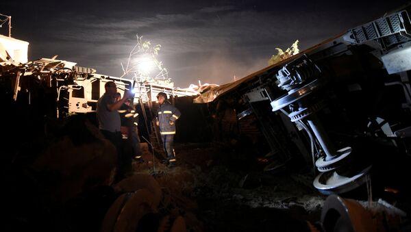 Descarrilamiento del tren en Grecia - Sputnik Mundo