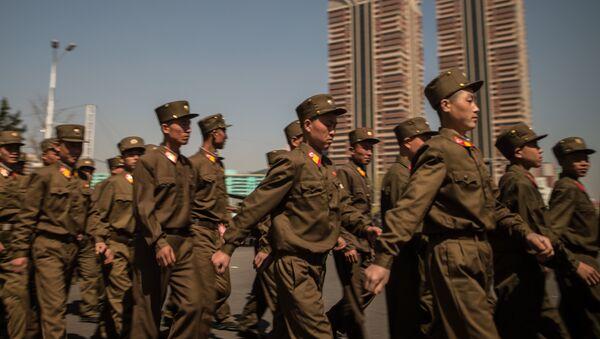 Los soldados del Ejército Popular de Corea del Norte - Sputnik Mundo