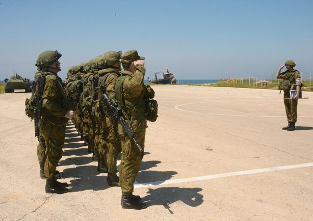 Militares rusos en la base naval Tartus en Siria