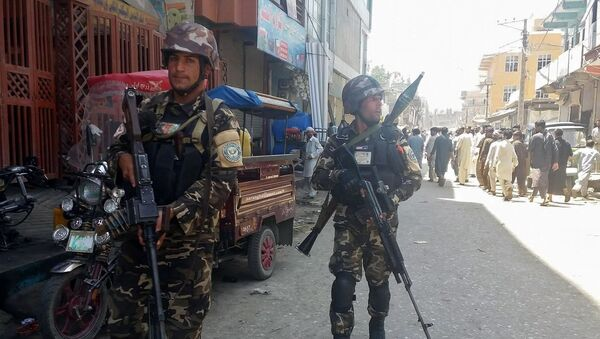 Las fuerzas seguridad de Afganistán llegan al lugar del ataque en Jalalabad - Sputnik Mundo