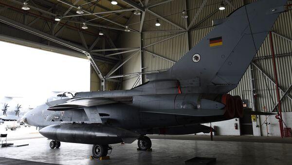 El avión alemán Tornado en la base militar de Incirlik en Turquía - Sputnik Mundo