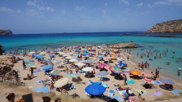 Playa en España (imagen referencial) - Sputnik Mundo