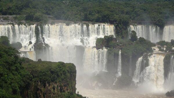 Las cataratas del Iguazú (archivo) - Sputnik Mundo