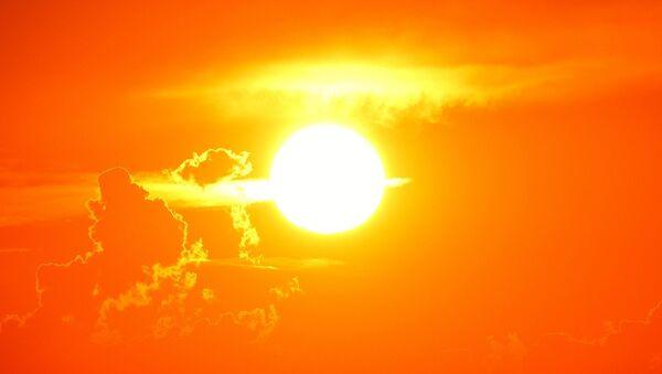 El Sol (imagen referencial) - Sputnik Mundo